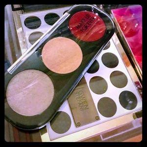 Makeup Forever Artist Palette Trio